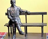 1. Projekt rzeźby gen. Maczka.jpg