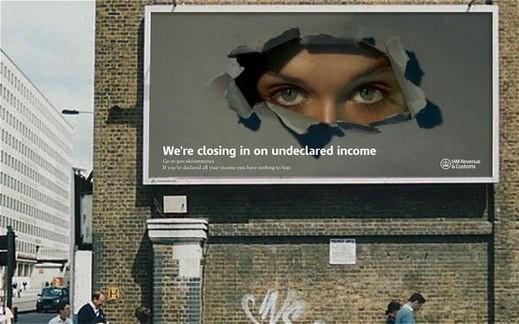 Bilbord z kampanii społecznej na temat unikania podatków w UK